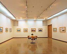 松風ギャラリーの展示室1